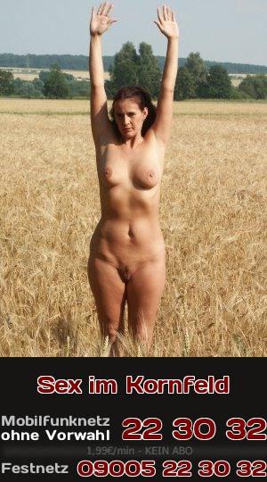 Telefonsex mach klar: Zum Ficken auf dem Bauernhof braucht man kein Bett im Kornfeld, stehend geht es auch!