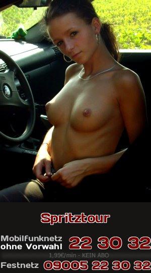 Erlebe Telefonsex mit einer heißen Lady, die gern spontan auf einer Spritztour Sex im Auto hat.