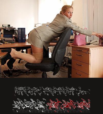Eine scharfe Kollegin verhält sich im Büro absichtlich aufreizend, damit Du die Beherrschung verlierst und sie zum Sex am Arbeitsplatz verführst.