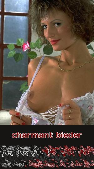Eine junge Dame mit Wurzeln in Wien ist charmant und bieder beim Telefonsex